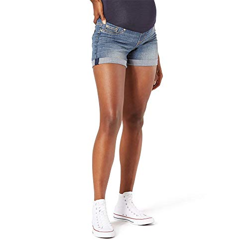Product Image of the Signature Mid-Rise Shorts