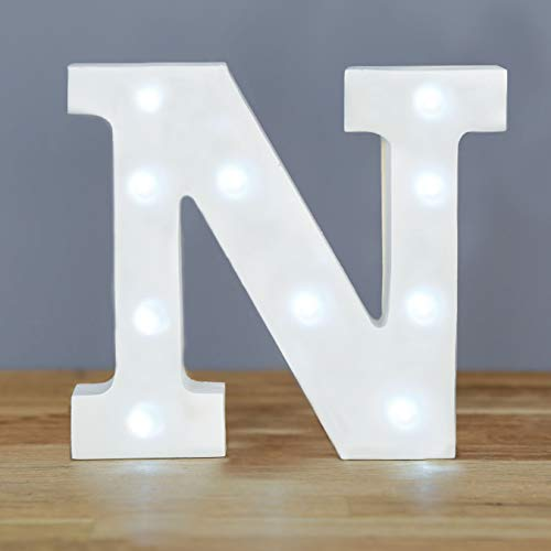 Up in Lights Muestra decorativa de madera blanca de las letras del LED - colgante de pared con pilas - Letra N
