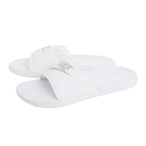 Nike Damen Benassi Just Do It Zehentrenner, Weiß (White/Metallic Silver 102), 43 EU