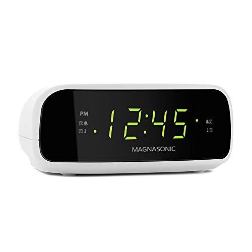 Magnasonic Digital AM/FM Clock Radio with Battery Backup, Dual Alarm, Sleep & Snooze Functions, Display Dimming Option,White (EAAC201)