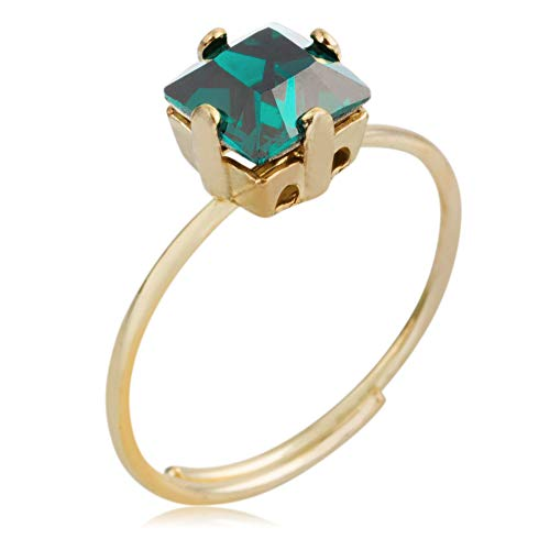 Córdoba Jewels | Sortija en plata de ley 925 bañada en oro con cristales by Swarovski con diseño Square Swarovski Esmeralda Gold