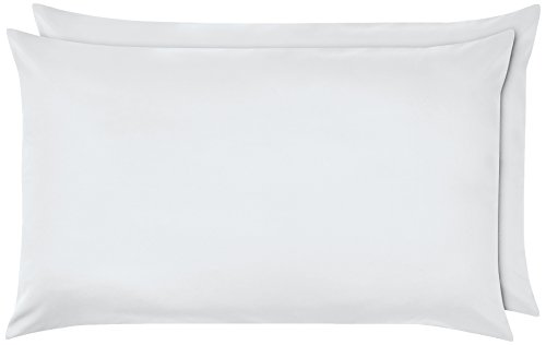 AmazonBasics - Federe in poliestere , 50 x 80 cm, Set di due - Bianco brillante