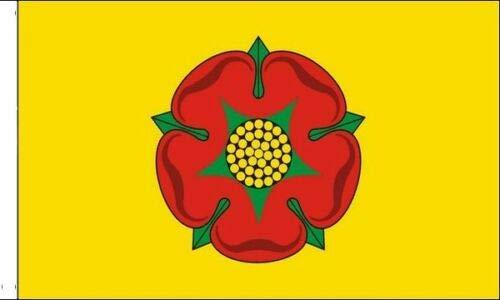 FlagSuperstore© Lancashire Bootsflagge, 45,7 x 30,5 cm, Motiv: Baumhäuser, Wohnwagen, mit Ärmeln, 45 x 30 cm