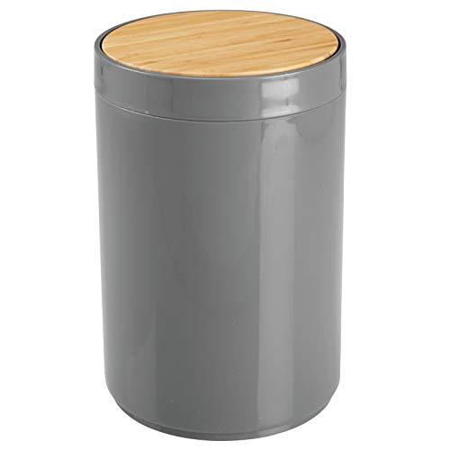 mDesign praktischer Mülleimer Küche – moderner Abfalleimer aus Bambus und Kunststoff für Bad, Büro und Küche mit 5l Fassungsvermögen – stabiler Papierkorb mit Deckel – anthrazit und bambusfarben