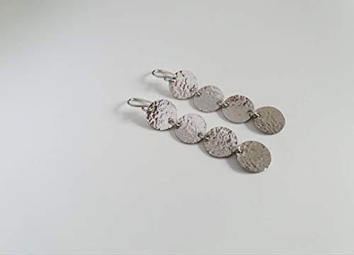 Paio di Orecchini in Argento bagnati nel Platino, interamente realizzati a mano.