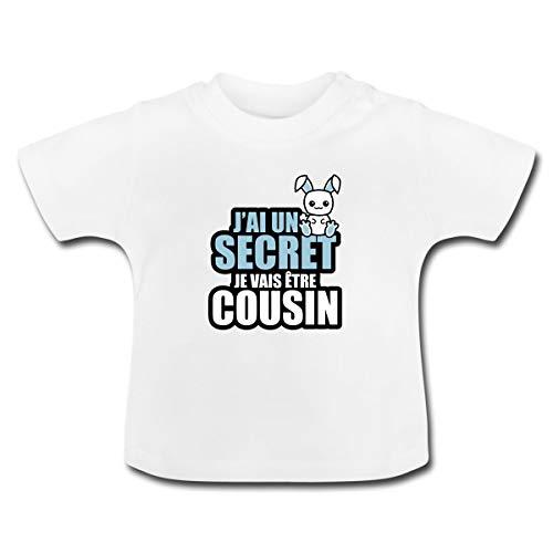 Spreadshirt J'Ai Un Secret Je Vais être Cousin T-Shirt Bébé, 18-24 Mois, Blanc