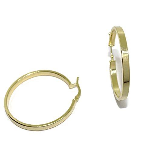 Aros de oro amarillo de 18k brillo de tubo cuadrado de 3mm de ancho y 3.3cm de diametro exterior. Cierre fácil click