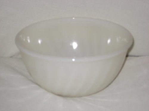 Vintage 1950's Fire King Ivory Swirl Mixing Batter Bowl – 9×5 Inch