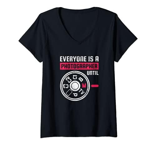 Mujer Todo el mundo es fotógrafo hasta el modo manual Camiseta Cuello V