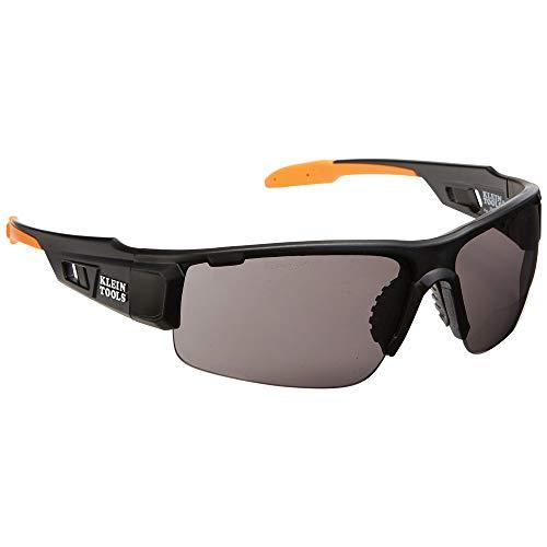 Gafas de seguridad, Profesional PPE Gafas de Protección con SemirMarco y Lente Gris, Resistente a los arañazos y Anti Niebla Klein Herramientas 60162