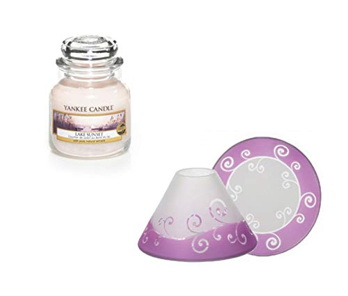 YANKEE CANDLE Set, 1x Duftkerze Jar klein Lake Sunset 104 g und 1x Lampenschirm Teller Purple Scroll
