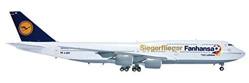 Herpa 556767 - Lufthansa Boeing 747-8 Intercontinental Fanhansa / Siegerflieger