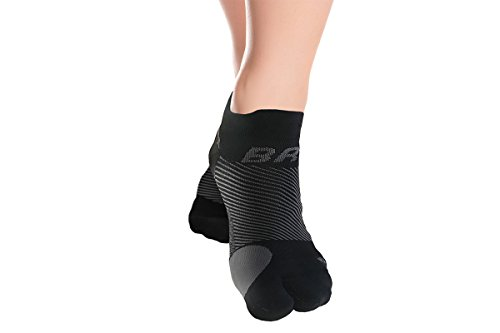 OrthoSleeve BR4 Bunion Relief Socks (1 Pair,Black,Medium) Split-Toe Design Separates Toes, relieves Bunion Pain and a targeted Bunion pad Reduces Toe Friction and relieves Hallux valgus Pain
