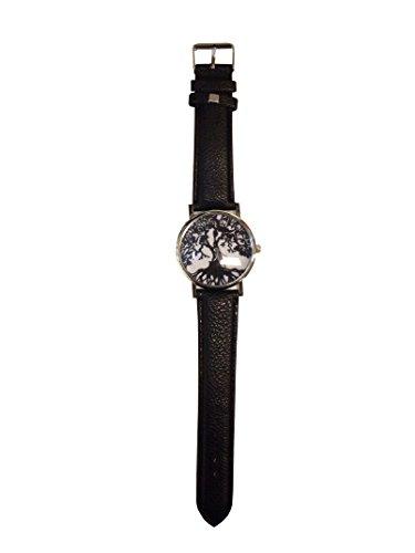 Reloj de pulsera gótico con árbol negro y raíz.