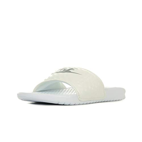 Nike Wmns Benassi Jdi, Ciabatte Donna, Bianco (White/Metallic Silver 102), 36.5 EU