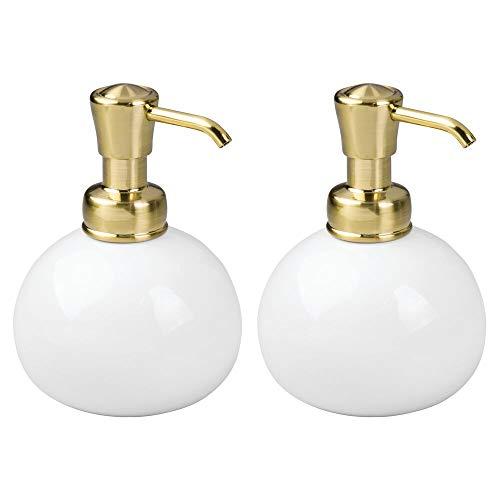 mDesign Juego de 2 dosificadores de jabón líquido recargables – Dispensador de gel, loción o aceite de 295 ml – Dispensadores de jabón líquido de cerámica y plástico – blanco/latón