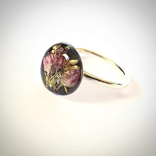 Originelle und elegante Ringe aus Sterlingsilber und natürlichen Trockenblumen, eingekapselt in Harz von großer Härte. Exklusive Designringe.