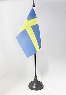 Zweden Tafelvlag 15x10 cm - Zweedse Bureaivlag 15 x 10 cm - Zwarte plastic stok en voet - AZ FLAG