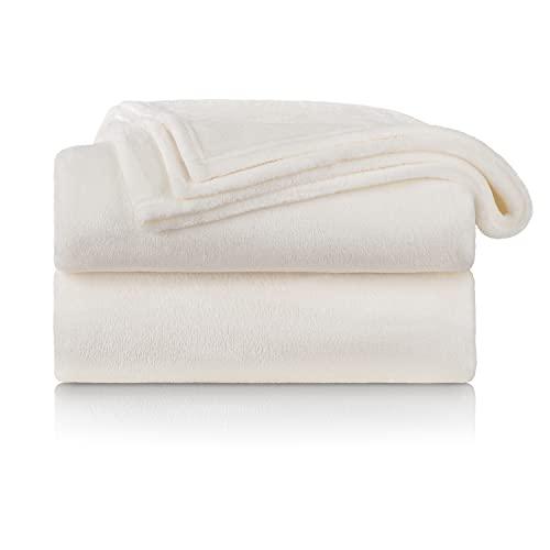 Blumtal Flauschige Kuscheldecke – hochwertige Wohndecke, super weiche Fleecedecke als Sofaüberwurf, Tagesdecke oder Wohnzimmerdecke, 150 x 200 cm, Off-White - weiß