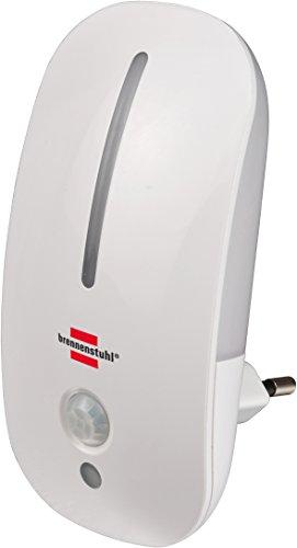 Brennenstuhl Led-nachtlampje, zacht oriëntatielicht met infrarood bewegingsmelder en isolatiesensor voor stopcontact (met schakelaar), kleur: wit