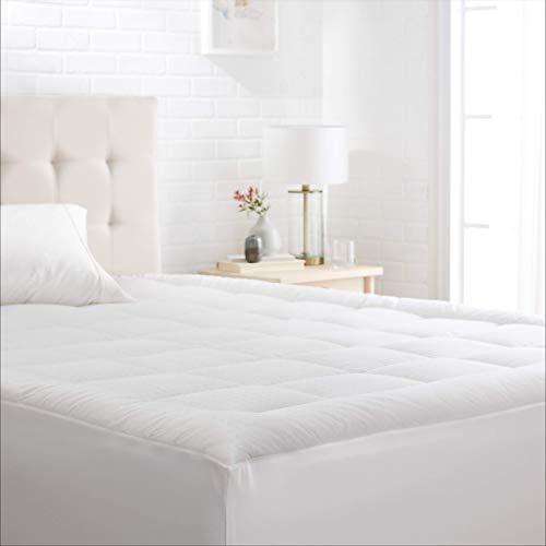 AmazonBasics Sobrecolchón reforzado, inferior alternativo, con funda de algodón y franja de hotel, individual