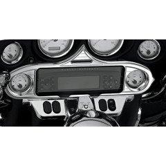 Harley Davidson - Accent Stereo - gemaakt van licht ABS Geen gereedschap of demontage nodig voor de installatie Geschikt voor: '96-'13 Electra Glide, '06-'13 Street Glide & '09-'13 Trike - Beschrijving: Chroom (ea)