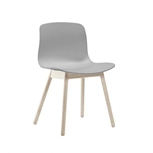 HAY About a Chair AAC 12 Stuhl Eiche geseift, grau Sitzschale Polypropylen Gestell Eiche massiv geseift mit Kunststoffgleitern