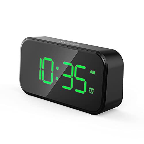 Qagazine Despertador digital con pantalla LED grande, alarma de espejo digital creativa con carga USB, funciona con batería, con temperatura, repetición, fecha, brillo ajustable, control de voz