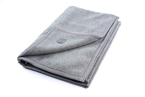 """Ritter Decken Alpaka Decke """"Perulama 150 x 200 cm Silbergrau (ungefärbt) aus Alpaka (Natur) weich. Wolldecke aus eigener Herstellung. Geeignet als Wohndecke, Kuscheldecke & Tagesdecke."""