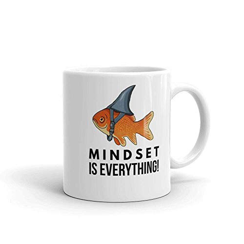 Mentality i All Gold Fish Shark - Taza de café con diseño de tiburón con texto en inglés 'Big Fish'