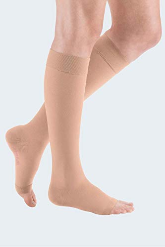 medi mediven elegance - 024B113 Knielange Damen Kompressionsstrümpfe mit geschlossener Spitze   CCL2   Noppen-Haftband   Caramel   Gr. III kurz