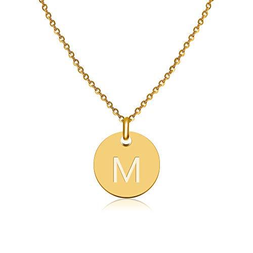 GD GOOD.designs EST. 2015 ® Collar con Letras en Oro, Colgante con Letra Inicial Redondo Chapado en Oro de 18K con Grabado en Relieve (Letra M)