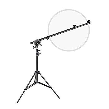 【強化アルミ製・ブームアーム】高品質のアルミ製で硬さを高めて衝撃に強くて安定性をアップします。☛長さが65cmから174cmまで伸縮可能で、お好みの長さまで自由に調整できます。☛レフ板を迅速に固定可能、キャスターによって、360度回転できで、異なる角度の撮影に満足できます。 【1/4ネジ付き・ライトスタンド】HTC VIVE/雲台/ビデオライト/撮影ライト/リフレクター/ソフトボックス等をライトスタンドに接続できて、 スタジオ撮影やアウトドア撮影やビデオ撮影に最適です。 【三脚ベース設計・表面酸...
