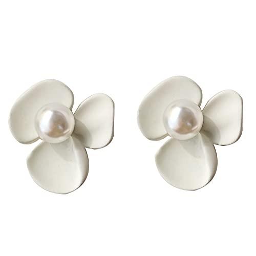 Vintage White Flower Earrings Tide Earrings Fresh Pearl Ear Clips A pair of flower ear clips (triangular clip)