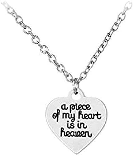 WYDSFWL Collar Mujer Collar Hombre Colgante Collar con Colgante en Forma de corazón con Texto en inglés «One Piece of my Heart is in Heaven» Collar Regalo para Hombres Mujeres niñas niños