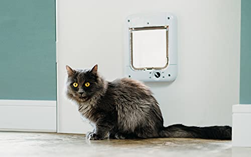 Cat Mate Microchip Cat Flap, Cat Flap Microchip activated for up to 30 Cats - White