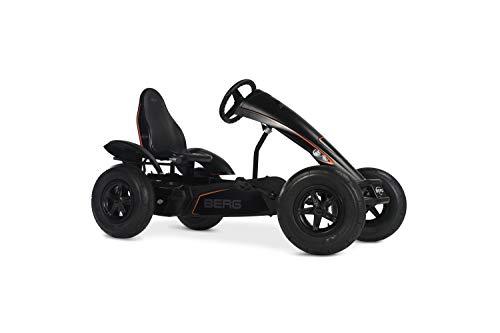 BERG Gokart mit XXL-Frame Black Edition   Kinderfahrzeug , Tretauto mit Verstellbarer Sitz, Mit Freilauf, Kinderspielzeug geeignet für Kinder im Alter ab 5 Jahren
