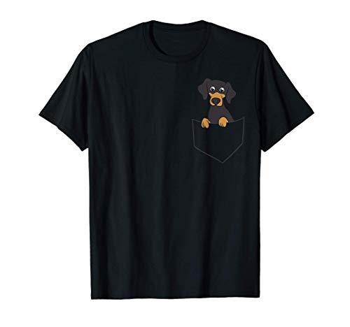 Lindo perro salchicha en el bolsillo Dueño de un perro Camiseta