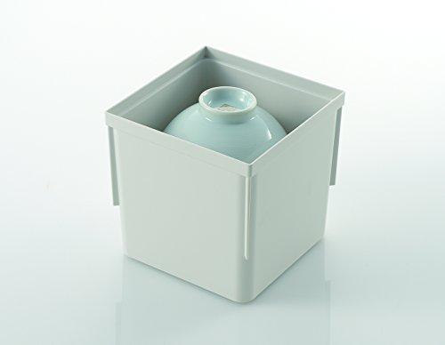重ねて収納するので、お茶碗が崩れる心配もなく、システムキッチンの引出しに入れて収納しておけば、ご飯を盛り付ける際に、取り出しも楽々。ジョイントもあるので、たくさんのお茶碗の収納や、お椀と並べて収納も可能です。