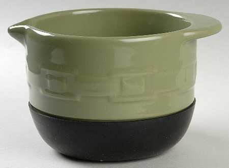 Longaberger Woven Traditions-Sage 7″ Stay Put Mixing Bowl, Fine China Dinnerware