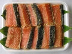 鮭の味噌漬 樽詰 10切入 地味噌でじっくり熟成。鮭職人の技で丁寧に仕上げた一味違う逸品【新潟の特産品】