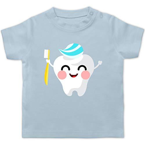 Anlässe Baby - Zahnfee mit Zahnpasta - 18/24 Monate - Babyblau - Verkleidung Kostüm - BZ02 - Baby T-Shirt Kurzarm
