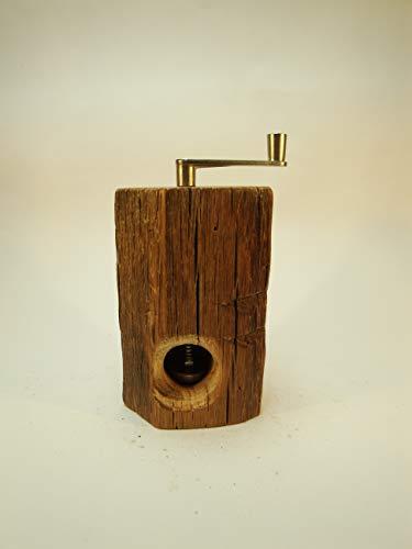 Muskatmühle Unikat aus dem Holz eines alten Eichenbalkens mit schweizer Schneidwerk