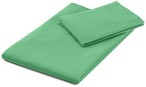 AmazonBasics - Juego de toallas de viaje y deporte (microfibra, 1 toalla de baño y 1 toalla de mano)