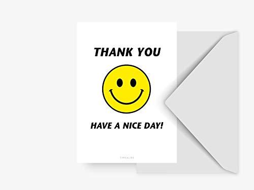 Postkarte - Have A Nice Day - von typealive - Schwarz-weiße Postkarte mit lustigem Spruch und gelbem Smiley als Antwortkarte oder Dekoration