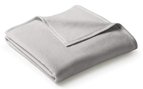 biederlack® flauschig-weiche Kuschel-Decke aus Baumwolle und dralon® I Made in Germany I Öko-Tex Made in Green I nachhaltig produziert I einfarbige Wohn-Decke Cotton Uni - Silber in 150x200 cm