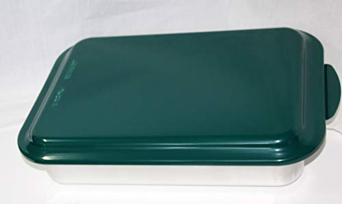 Nordic Ware 9x13 metal cake pan natural aluminum commercial bakeware with a baked enamel colored metal lid (green)