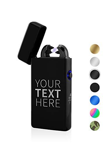 TESLA Lighter T08 Lichtbogen Feuerzeug, mit Wunsch-Gravur, personalisiert als Geschenk zu Weihnachten, Geburtstag etc, wiederaufladbar per USB inkl. Geschenkverpackung (Schwarz)