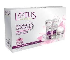 Lotus Herbals Radiant Diamond Cellular Radiance Kit visage