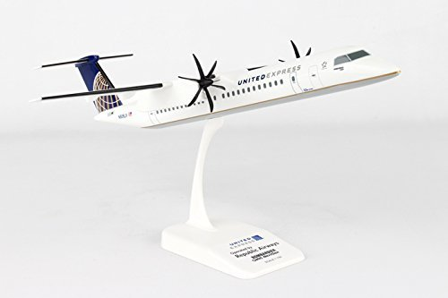 Skymarks SKR797 United Express Bombardier Q400 1:100 Scale Display Model with Stand